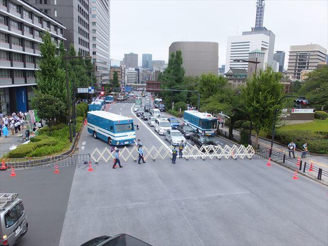9_靖国通り封鎖_R