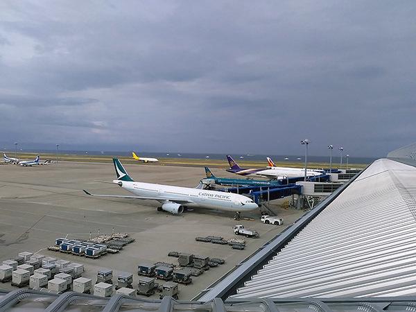 airport1.jpg