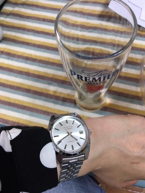 シャツと時計