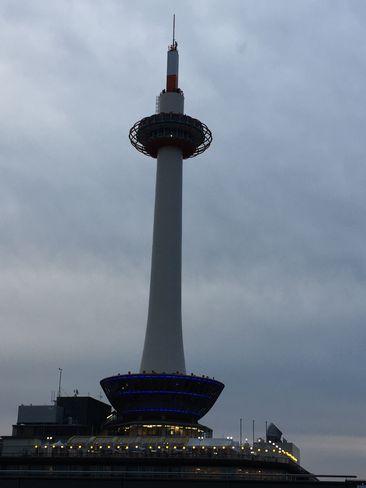 夕方の京都タワー_H29.06.26撮影