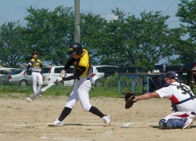 P7163962次の和泉が左前打を放ち1点追加