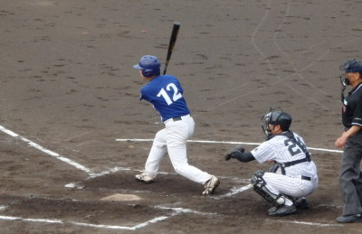 P72442932回裏木村電機1死二、三塁から一番が右前打を放ち1点先制