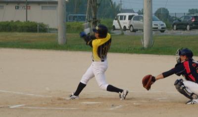 P80146062回裏1死三塁から7番中川の内野安打で1点先制
