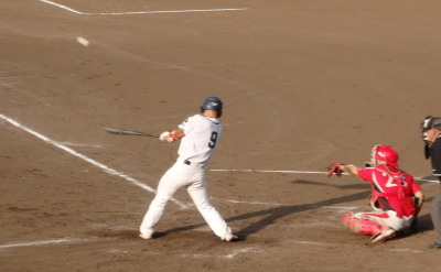P8024726次の6番の右越え2点二塁打で勝ち越す