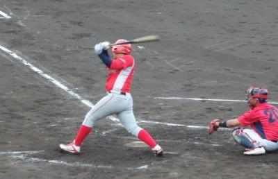 P81850892回裏トウヤ2死二塁から3番が右中間三塁打を放ち1点勝ち越す