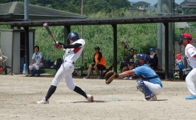 P82756224回裏Le.visage1死三塁から9番が左中間二塁打を放ち1点追加