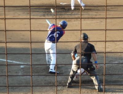 P8315774体育堂A4回表2死二塁から5番が左中間二塁打を放ち1点返す