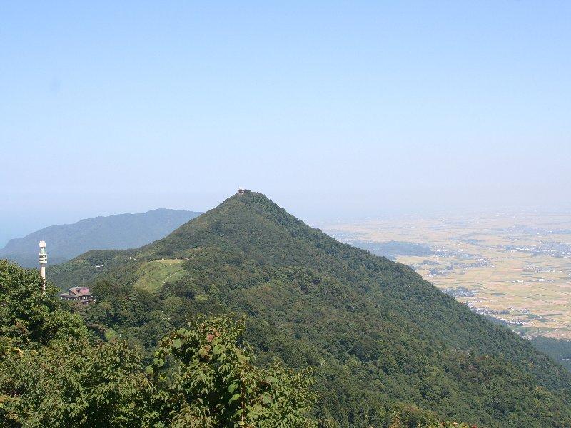 905弥彦山頂2