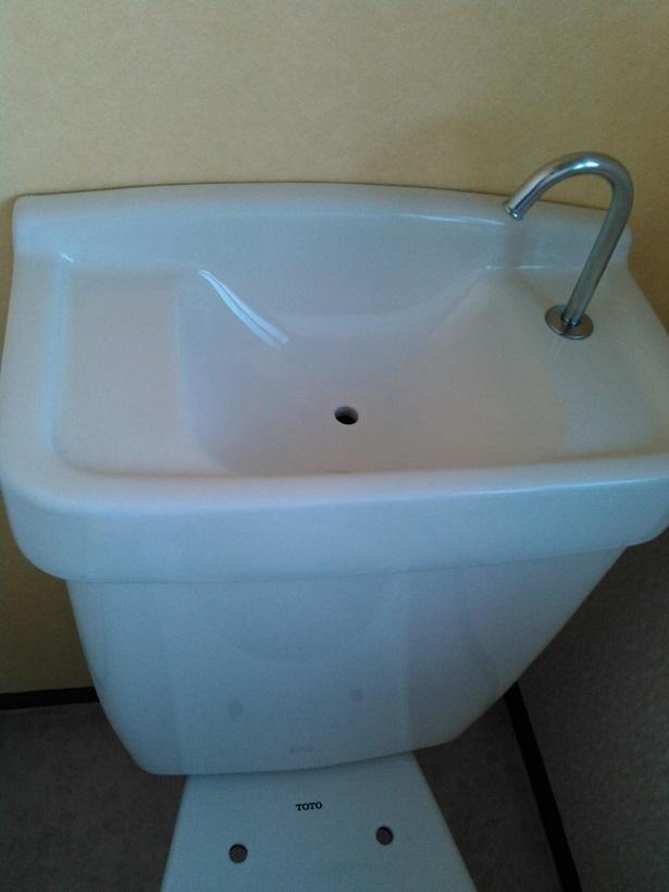 トイレタンク後 - 圧縮