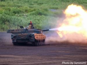 富士総合火力演習2017(10式戦車)