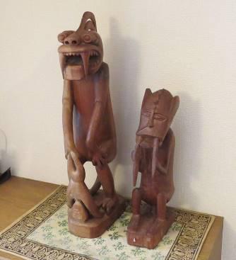 パプアニューギニア系オランアスリ彫像