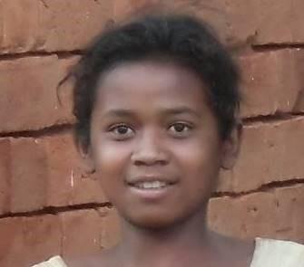 マダガスカルマレー系の丸顔少女2