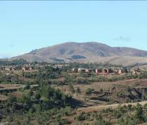 マダガスカル高地の山3