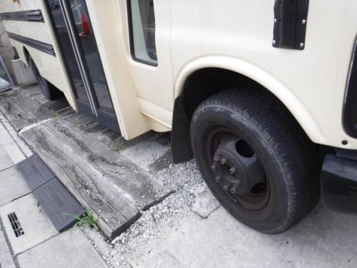 タイヤが古い (1)