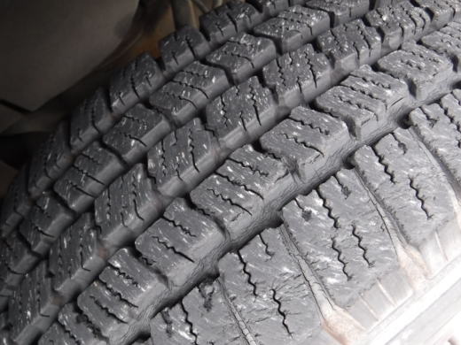 タイヤが古い (3)