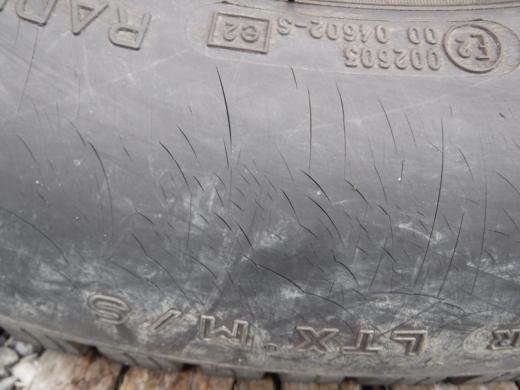 タイヤが古い (5)