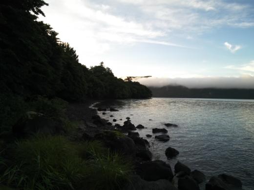 中禅寺湖で朝が来た (7)