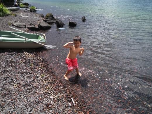 中禅寺湖のおかっぱり釣り (13)