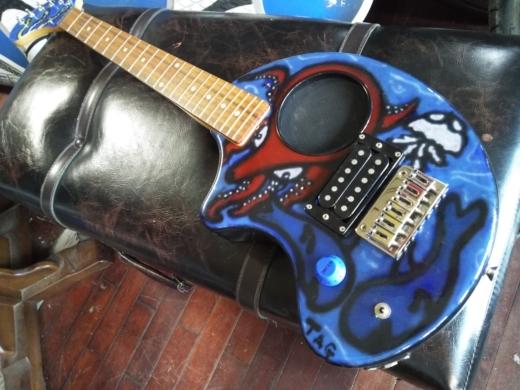 ぞうさんギター完成 (16)