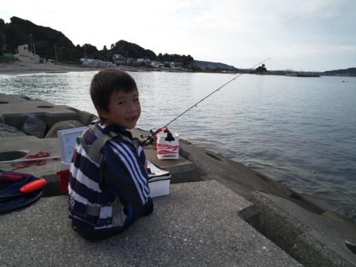 冨浦漁港で釣り (22)