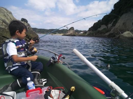冨浦漁港で釣り (38)