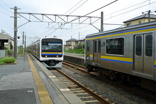 松岸駅にて成田線成田行きがきた