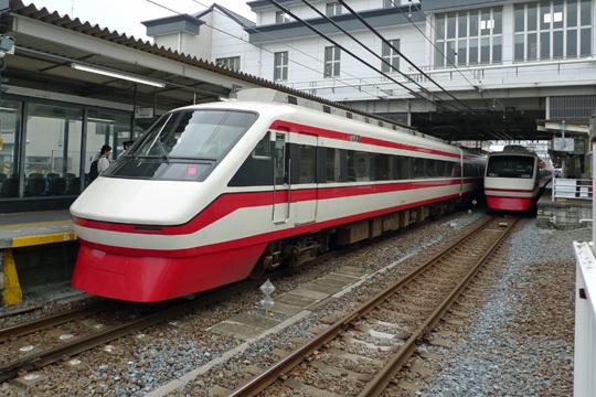 特急りょうもうの列車交換@館林駅