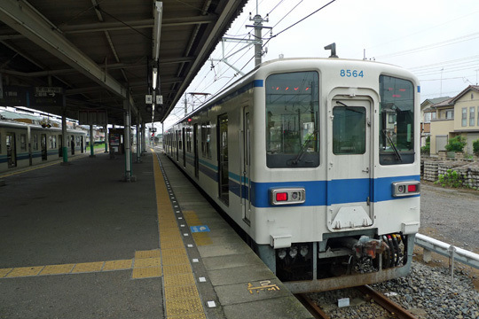 東武小泉線東小泉駅