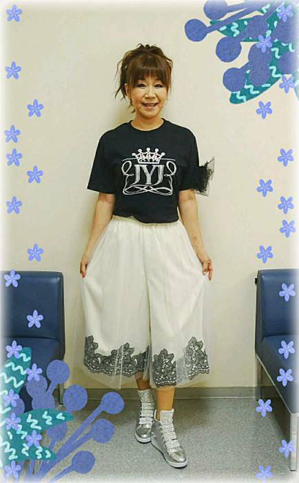 衣装にJYJTシャツ2