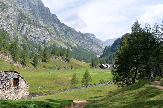 STK 1258 - 北イタリアの秘境・魔女の湖(Lago delle Streghe)