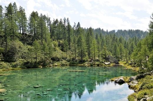 STK 1390 - 北イタリアの秘境・魔女の湖(Lago delle Streghe)