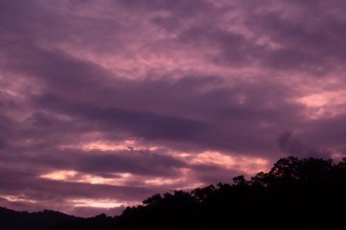 午前4時半過ぎの空