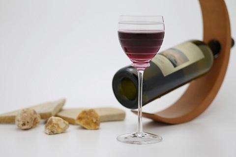 メニュー選びに迷う必要ナシ。料理もワインも一品で勝負