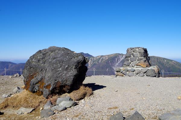 茶臼岳と南月山31