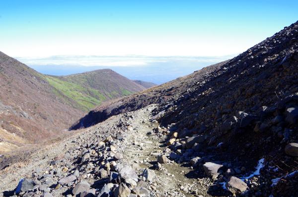 茶臼岳と南月山49