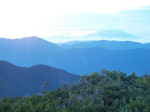s03イザルヶ岳山頂1