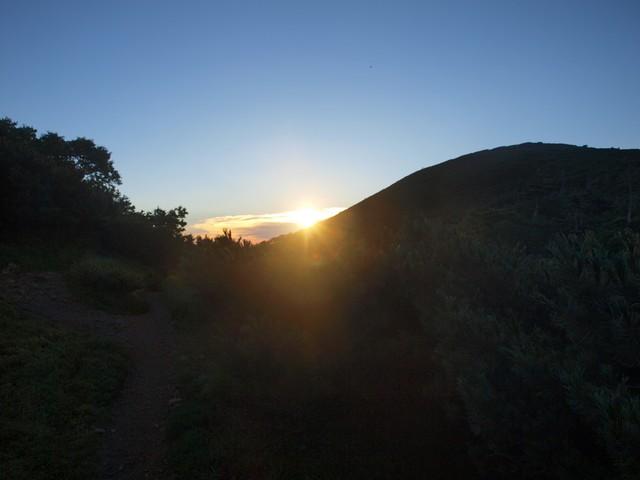 s05雲の上に朝日