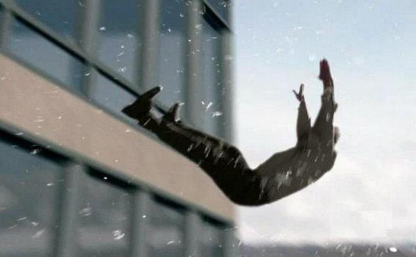 落下 落ちる 事故 自殺