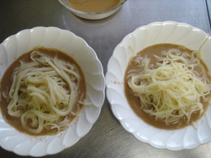 みろくやの冷し担々麺