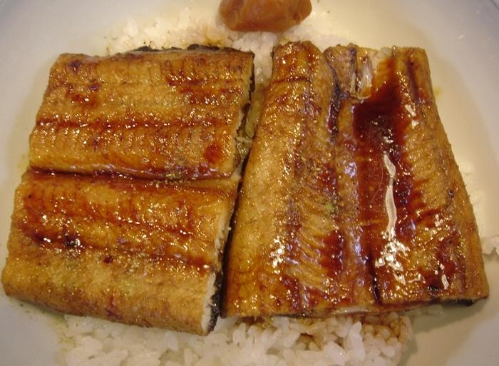 まさ吉の蒲焼で鰻丼