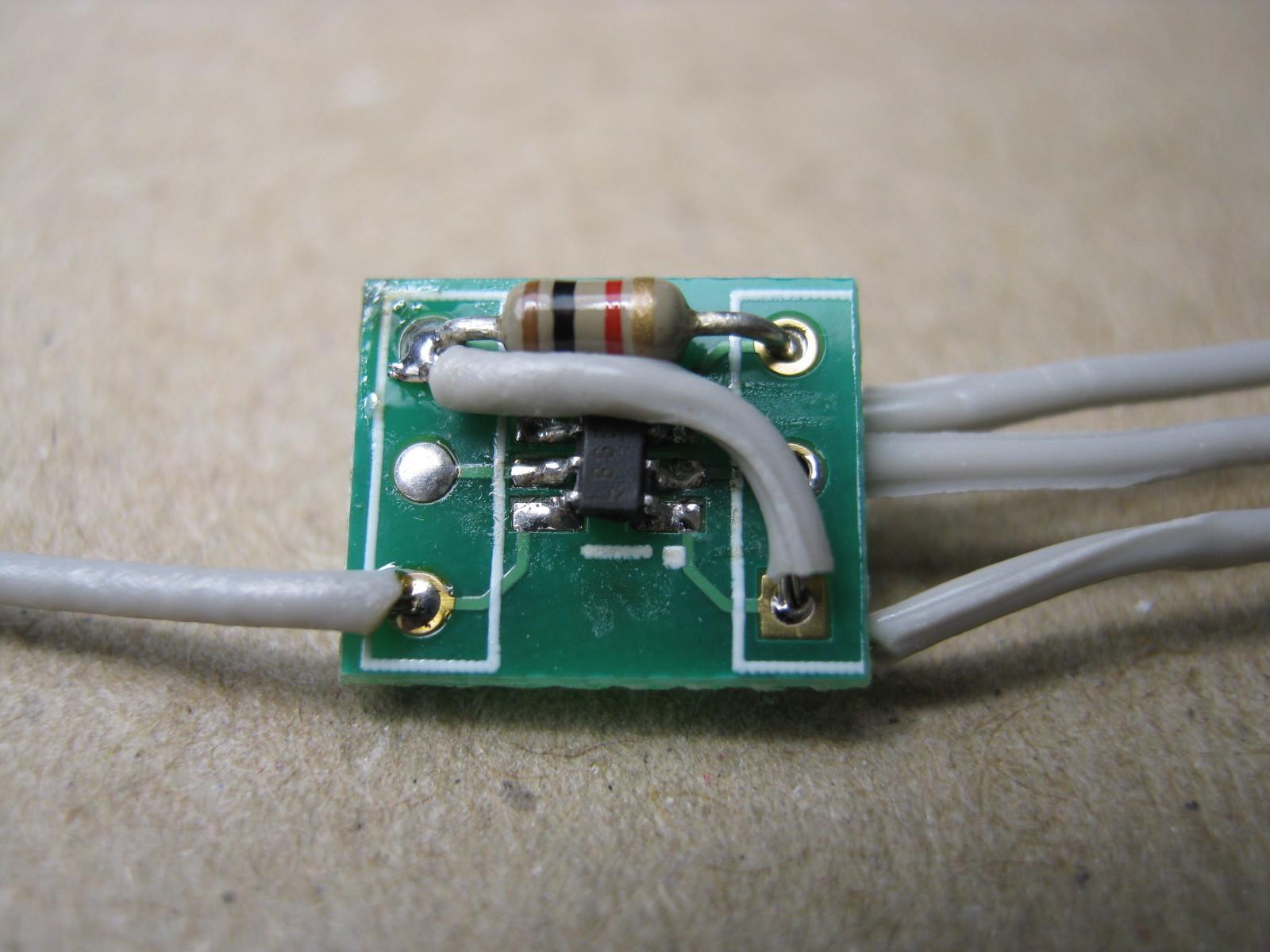 27MHz~2400MHzRFチェッカーピッチ変換基板10