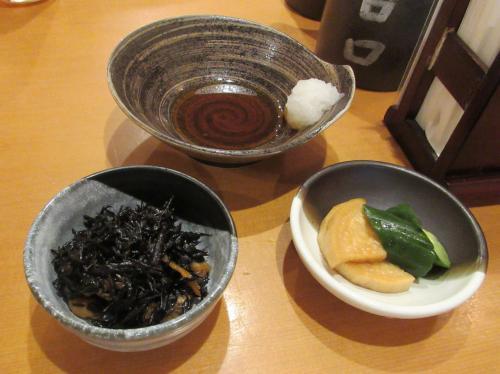 小鉢、ぽん酢、香の物