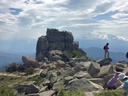 山頂から見た五丈岩