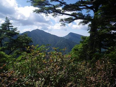 燕巣山と四郎岳