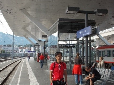 ザルツブルグ駅にて 8-24