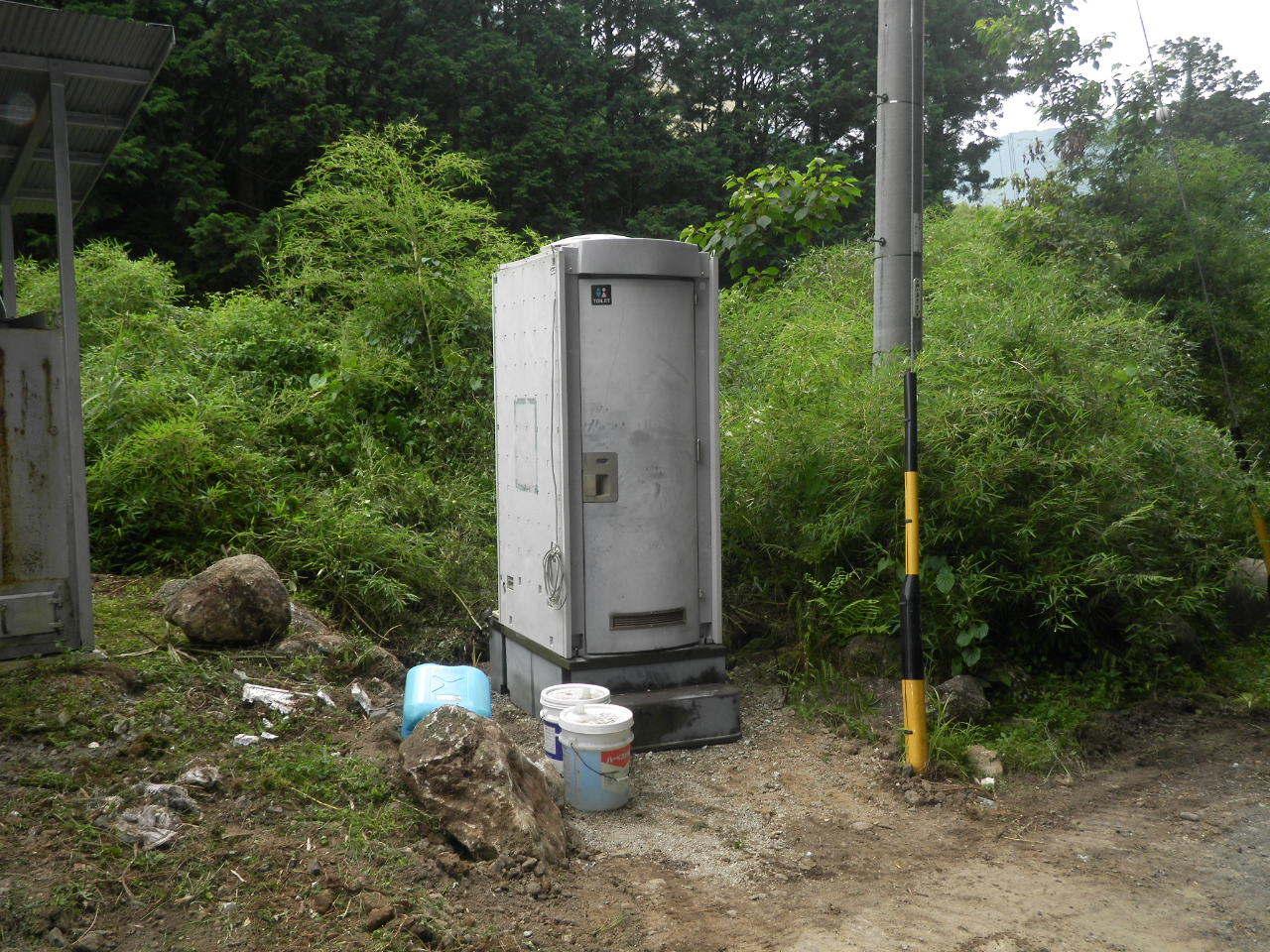 仮設トイレ71