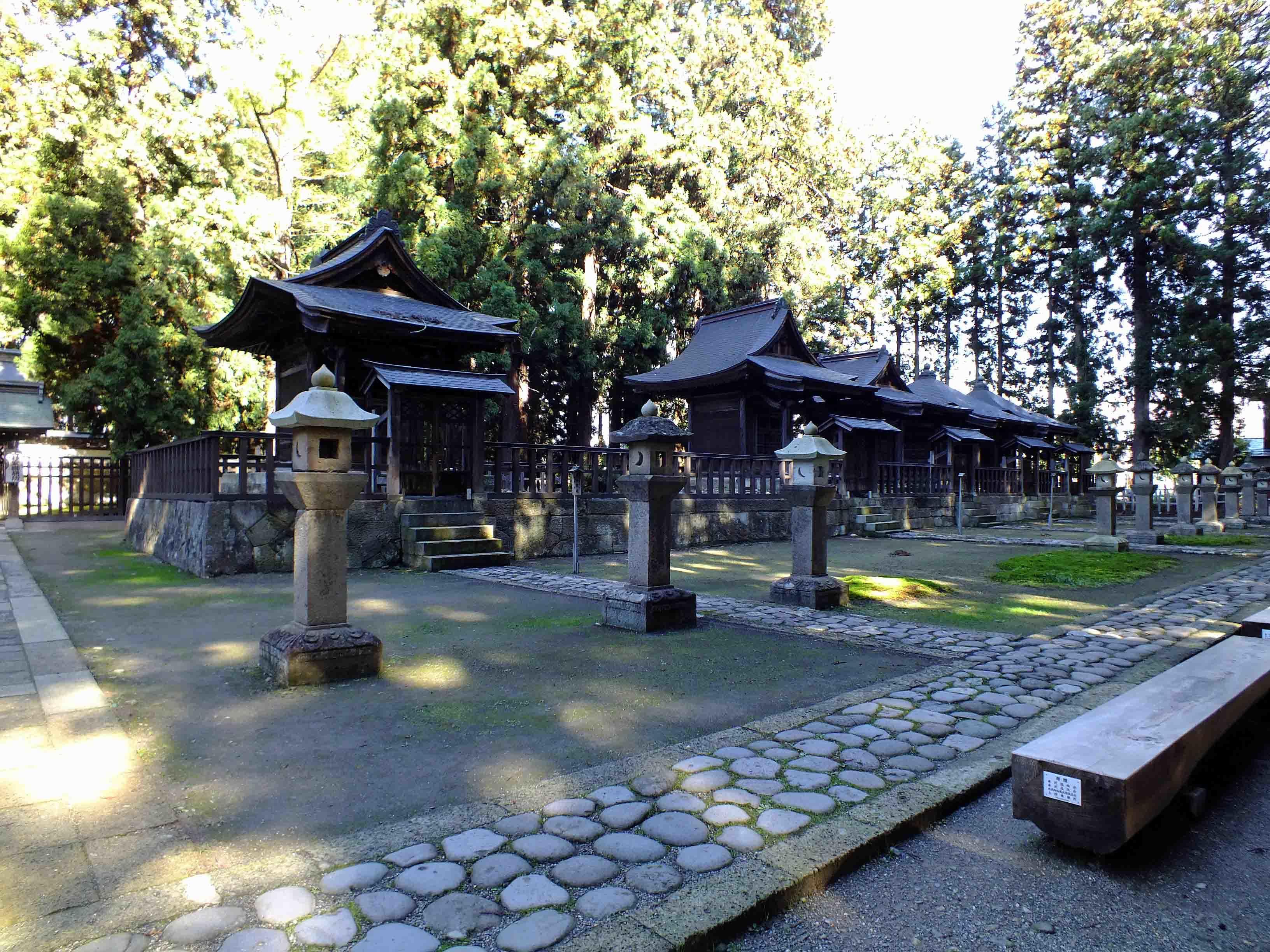 歴代藩主廟所 右側