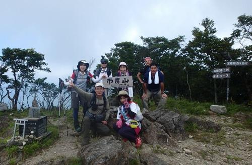 002 山頂にて