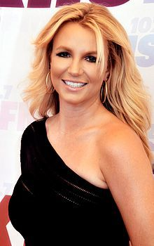 Britney_Spears_2013_(Straighten_Crop).jpg
