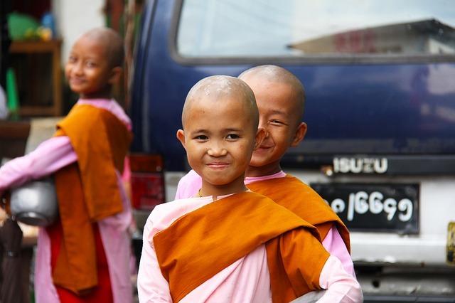buddhist-525261_640.jpg